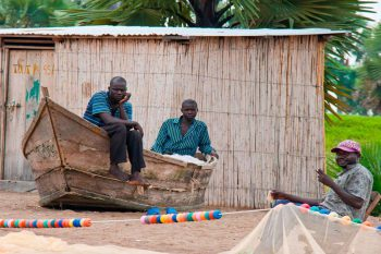 Oeganda Safariereis Lokale Vissermannen